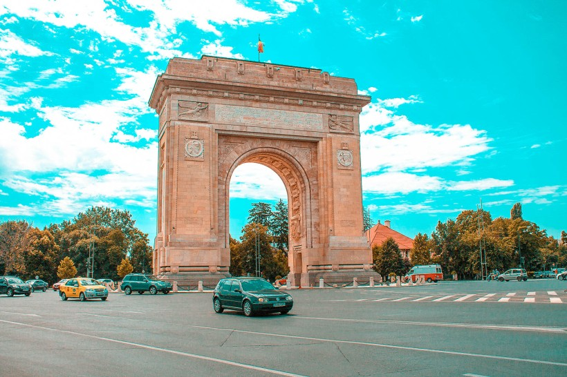 Arc-de-Triomf-Bucharest-2