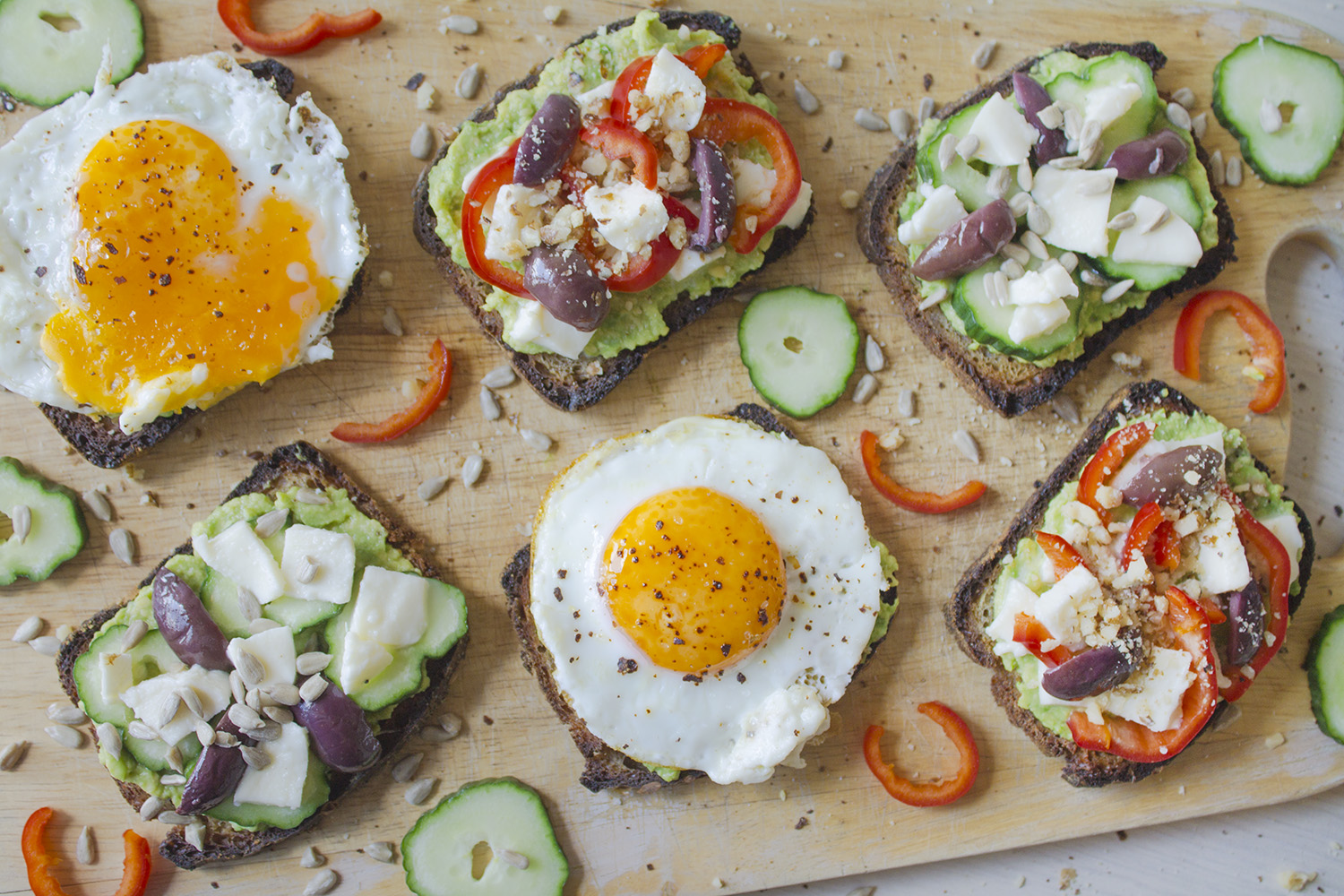 avocado-egg-toasts