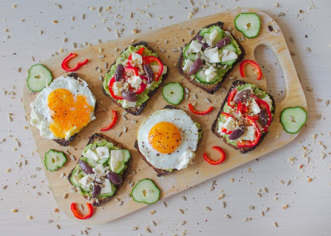 avocado-healthy-toasts