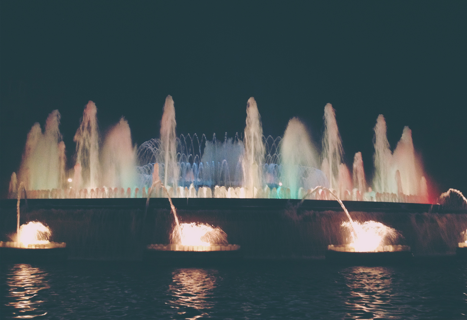 Magical Fountain Barcelona (2)