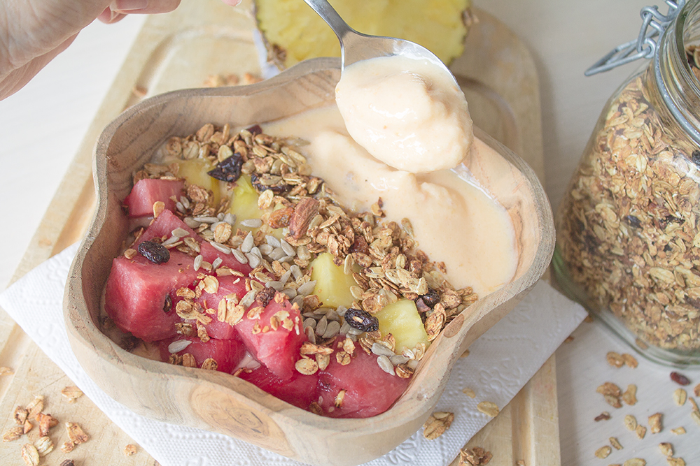 Pineapple-smoothie-bowl-5