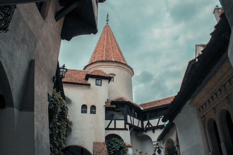 Dracula-Castle-Bran (8)