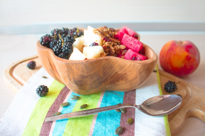 Healthy-peach-smoothie-bowl-recipe
