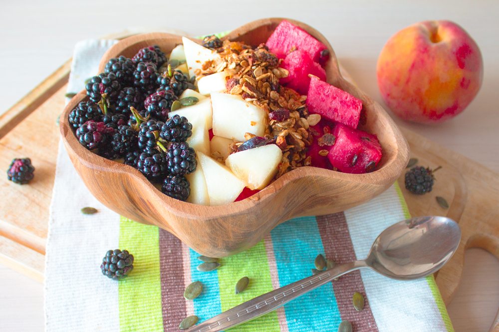 Peach-Smoothie-Bowl-delicious